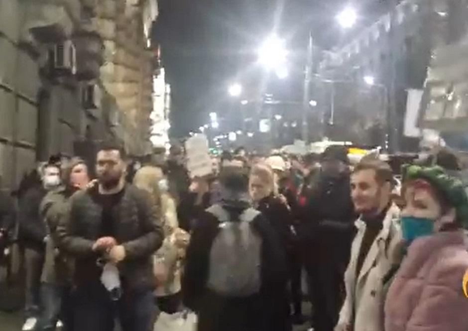 Protest frilensera ispred Vlade Srbije FOTO: Printscreen/Facebook