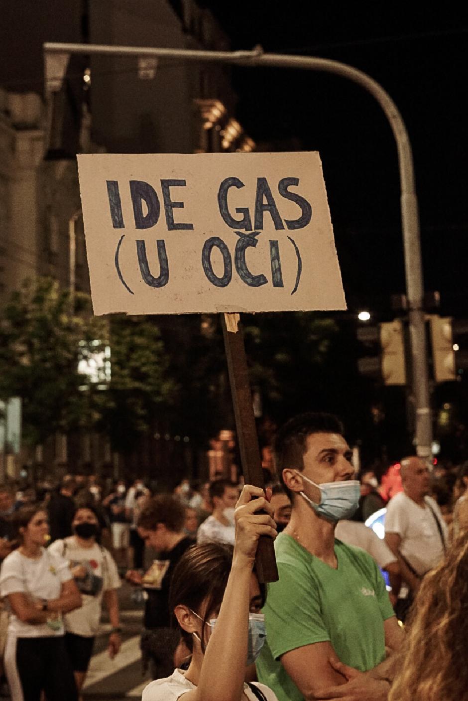 Protesti ispred Skupštine, FOTO: Teodor