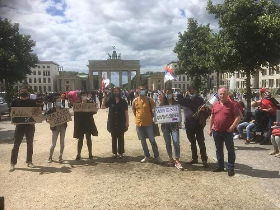 Protestovalo se pre mesec dana i u Berlinu, FOTO: Direktno.rs