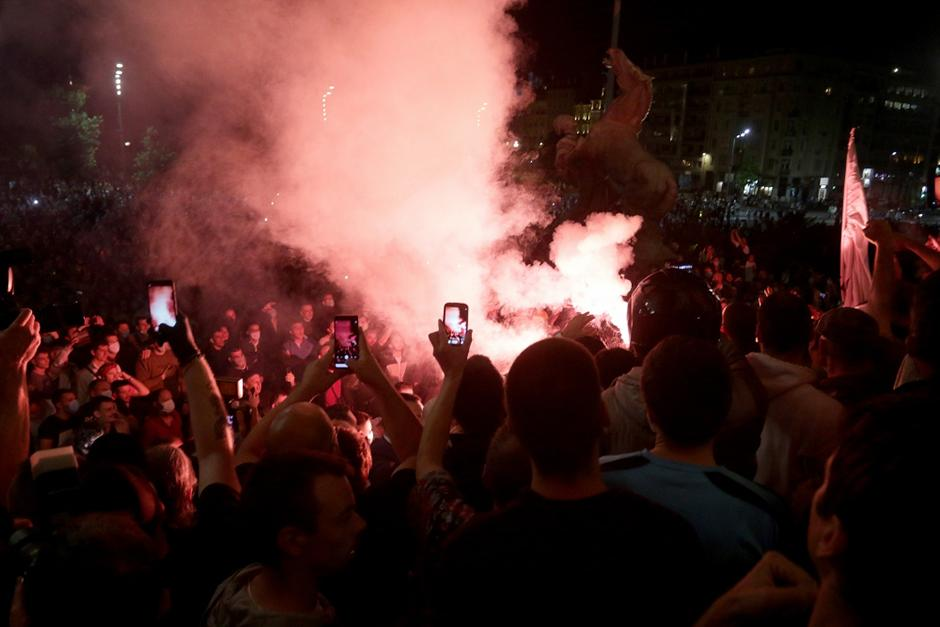 Protest ispred Skupštine FOTO: ATA images
