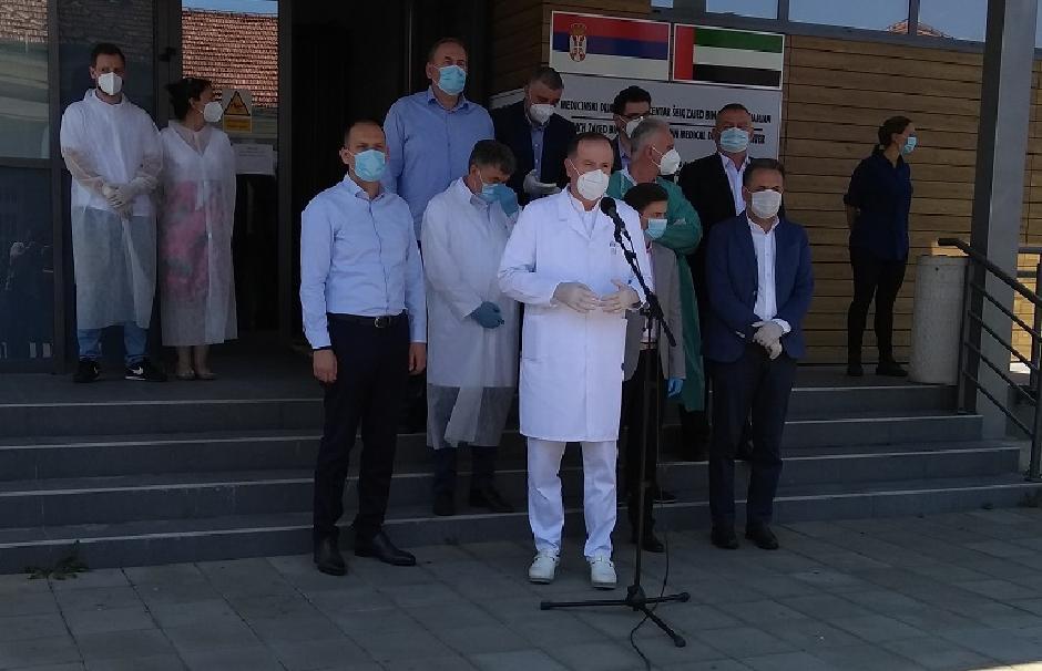 Lončar i direktor bolnice Mahmutović u Novom Pazaru FOTO: Screenshot