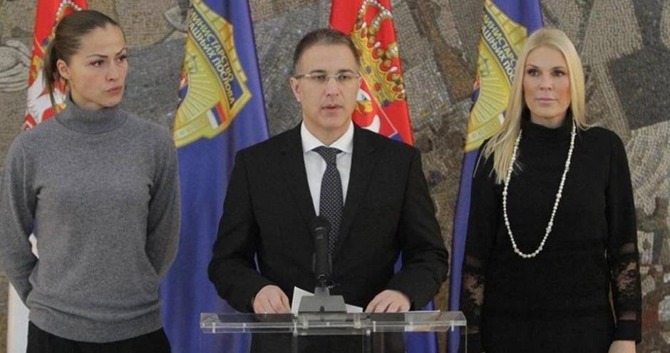 Uvezani: Dijana Hrkalović, Nebojša Stefanović i Biljana Popović, Foto: MUP