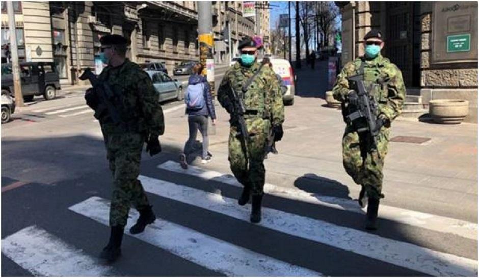 Vojska na ulicama kada je proglašeno vanredno stanje FOTO: Privatna arhiva