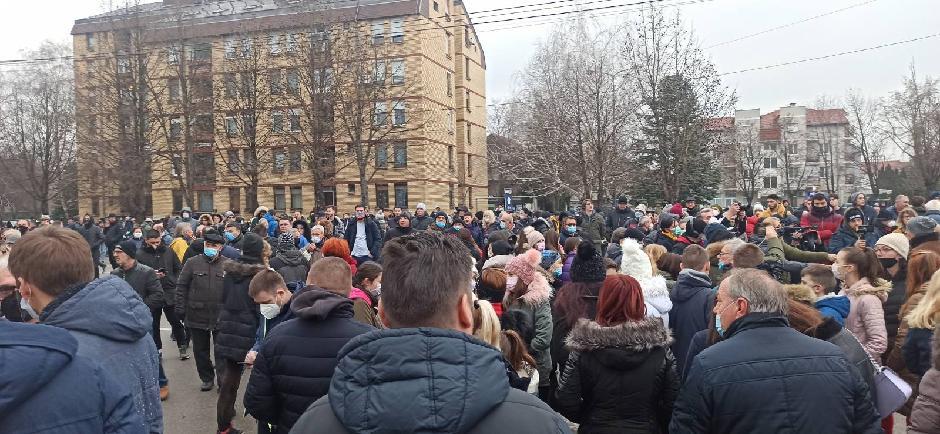 Na protestu se skupilo oko 1.000 Nišlija, FOTO: Direktno.rs