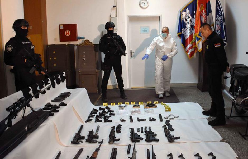 Zaplenjeno oružje Belivukove grupe FOTO: MUP Srbije