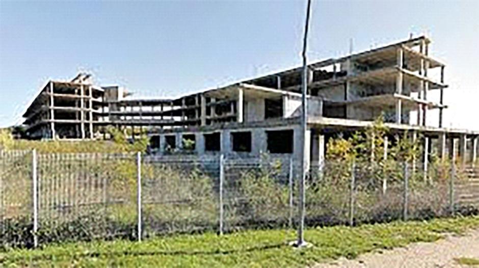 Nedovršena zgrada Hotela u Poreču