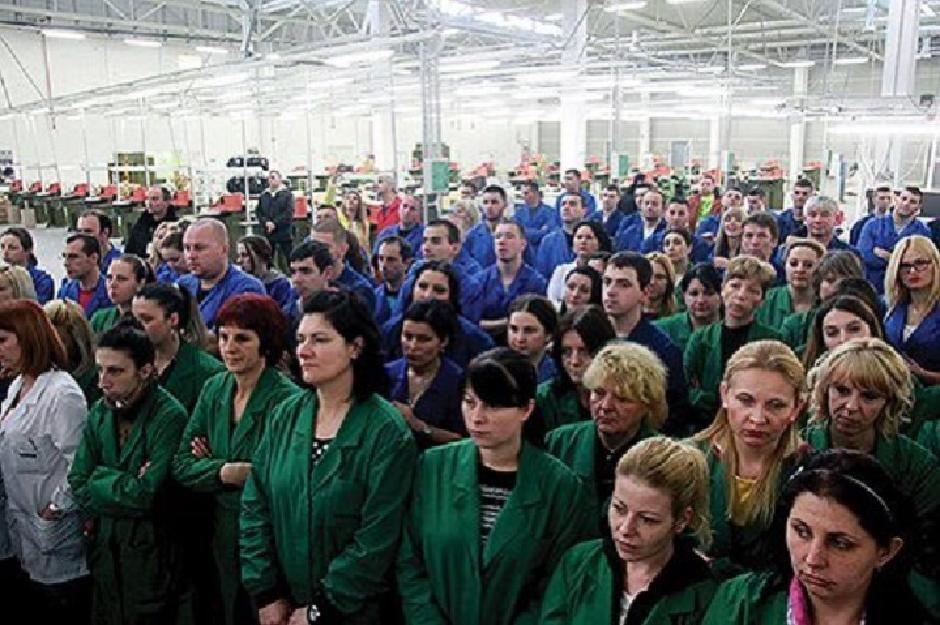 Radnici Geoxa; FOTO: Twitter